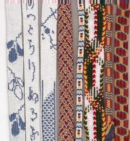 Различни плоски плетки направени на такадай